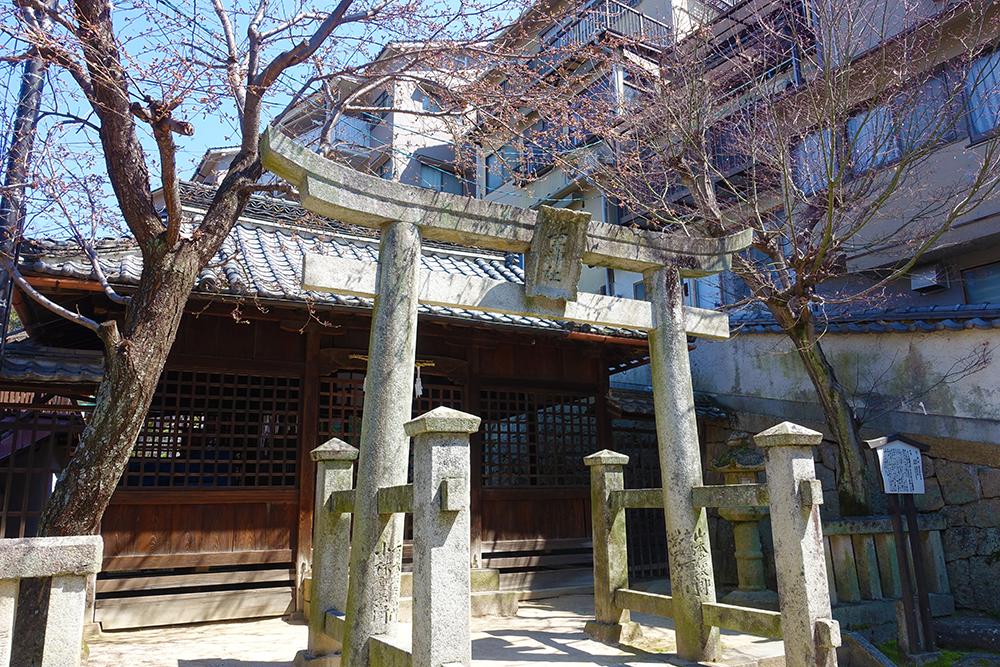 幸せの名が付く幸神社